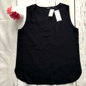 UNIQLO sleeveless tank blouse